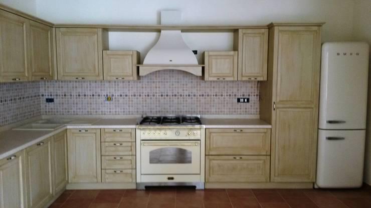 Projekty,  Kuchnia zaprojektowane przez Vibo Cucine sas di Olivero Bruno e c.