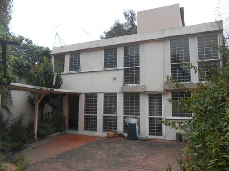 Casa Coyoacán: Casas de estilo  por ARQUITECTURA SOSTENIBLE