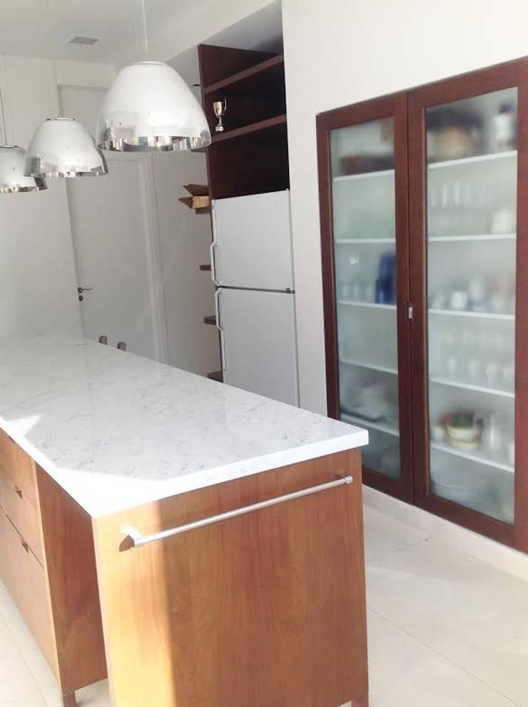 Diseño interior – Martindale: Cocinas de estilo  por ARQ MARINA LERA,Moderno