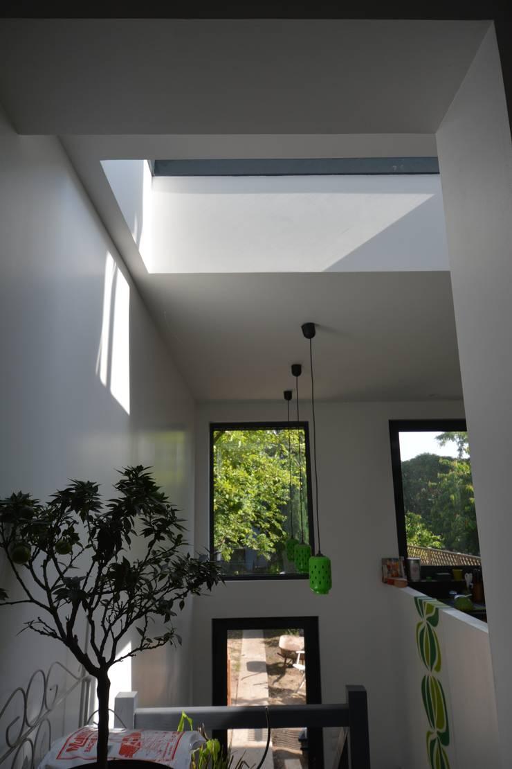 R novation et agrandissement d 39 une maison individuelle par sara architecture homify - Livre renovation maison ...