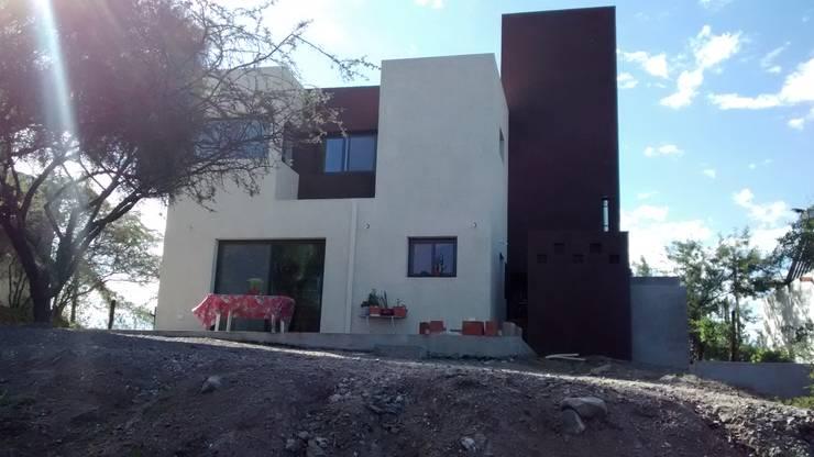 Casas de estilo  por BULLK Aruitectura y construcción, Moderno
