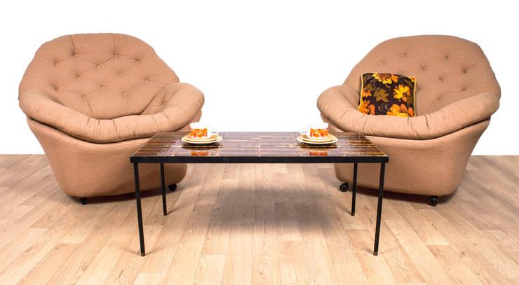 1960's Bucket Chairs:  Living room by RetroLicious Ltd