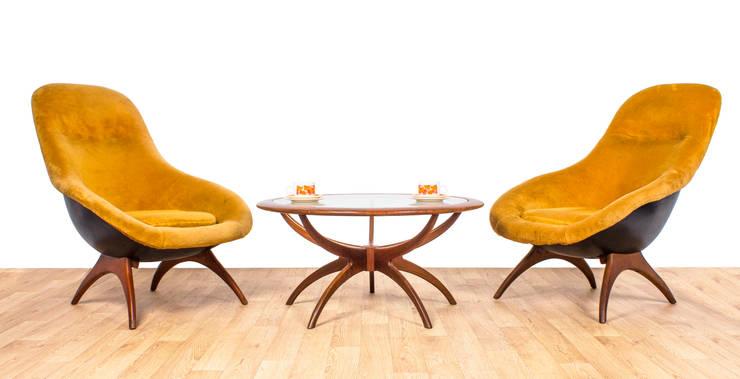 Lurashell Gemini Chair:  Living room by RetroLicious Ltd
