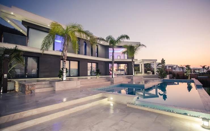 Quirón :  Villa von Miralbó Excellence