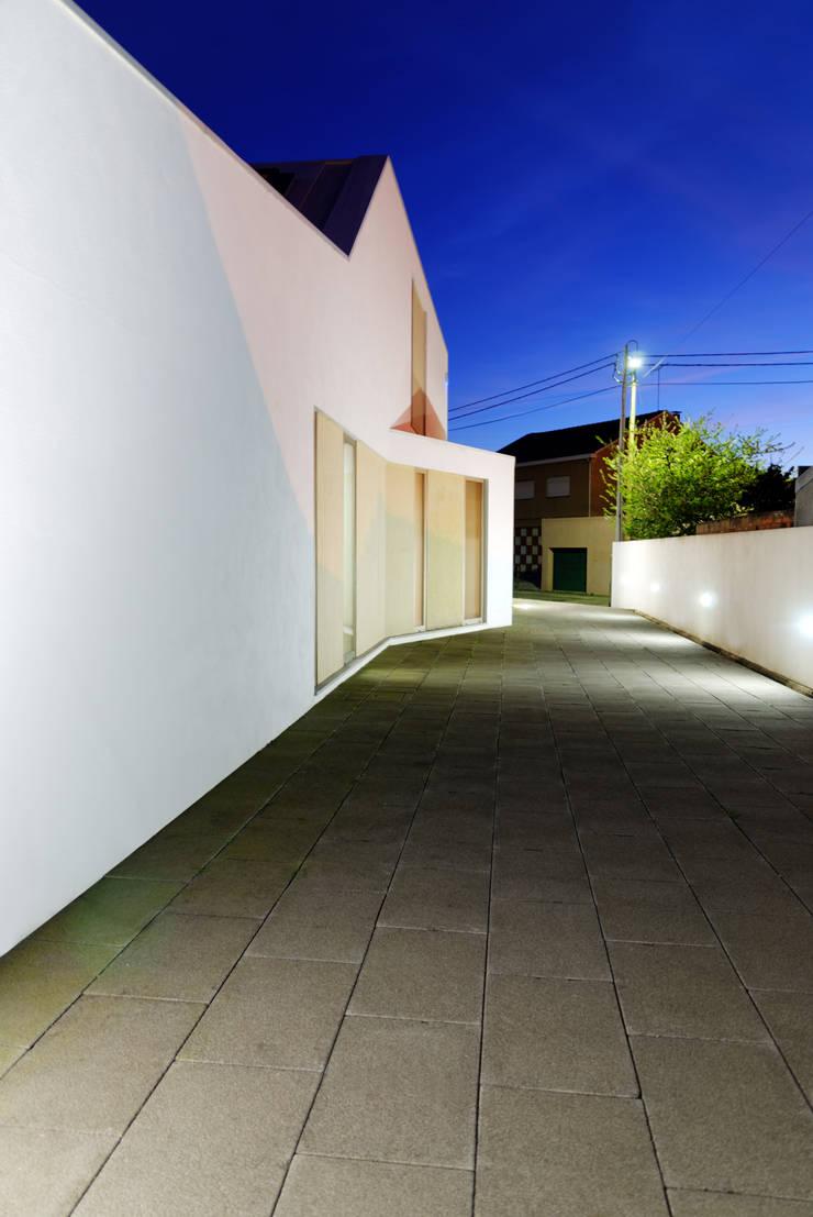 Casa BLS: Casas  por m2.senos