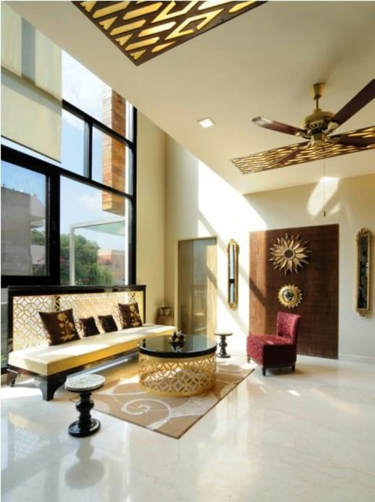 JAIPUR HOUSE:  Living room by Spaces Architects@ka,Modern