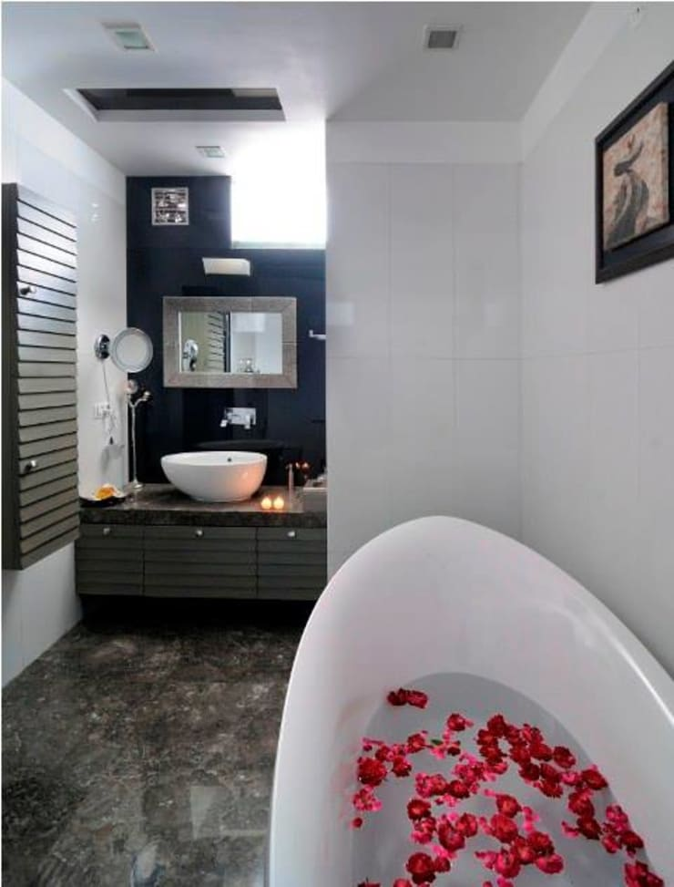 JAIPUR HOUSE:  Bathroom by Spaces Architects@ka,Modern