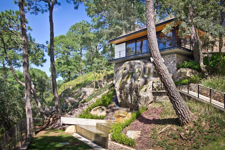 Pabellon en el bosque: Casas de estilo  por EMA Espacio Multicultural de Arquitectura