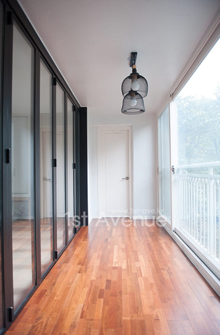 Terrace by 퍼스트애비뉴, Modern
