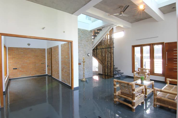 shanthi priya n mohan 's Residence @ ECR in 1450 sq feet site:  Living room by  Murali architects