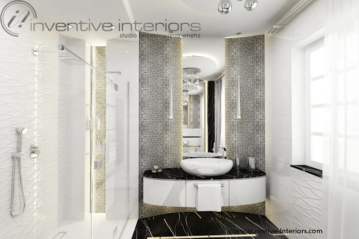 Srebrna mozaika w łazience: styl , w kategorii Łazienka zaprojektowany przez Inventive Interiors