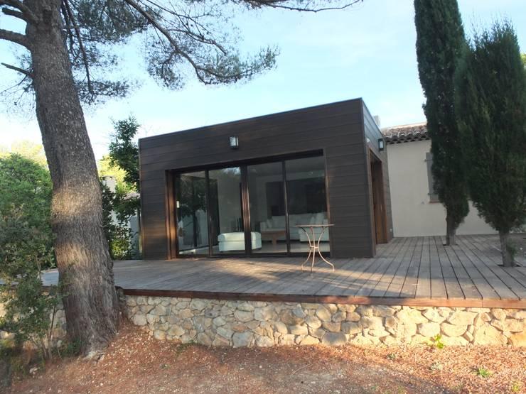 Maison D, Allauch: Maisons de style de style Moderne par MEDAH ARCHITECTURE ET ECO LOGIS