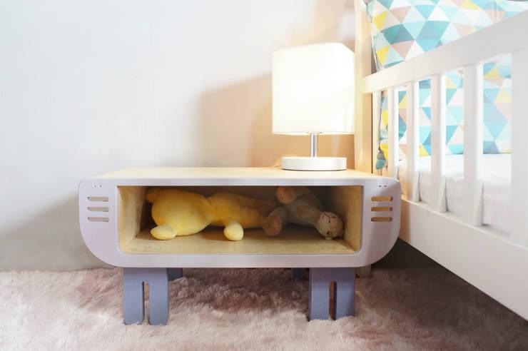 chochon bleu 꼬숑블루 : Banana Yolk의  아이 방