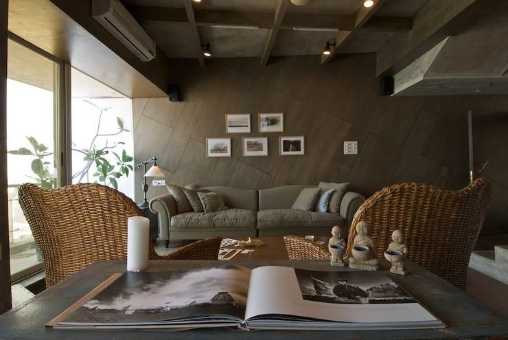 Salas de estilo moderno por Team Design