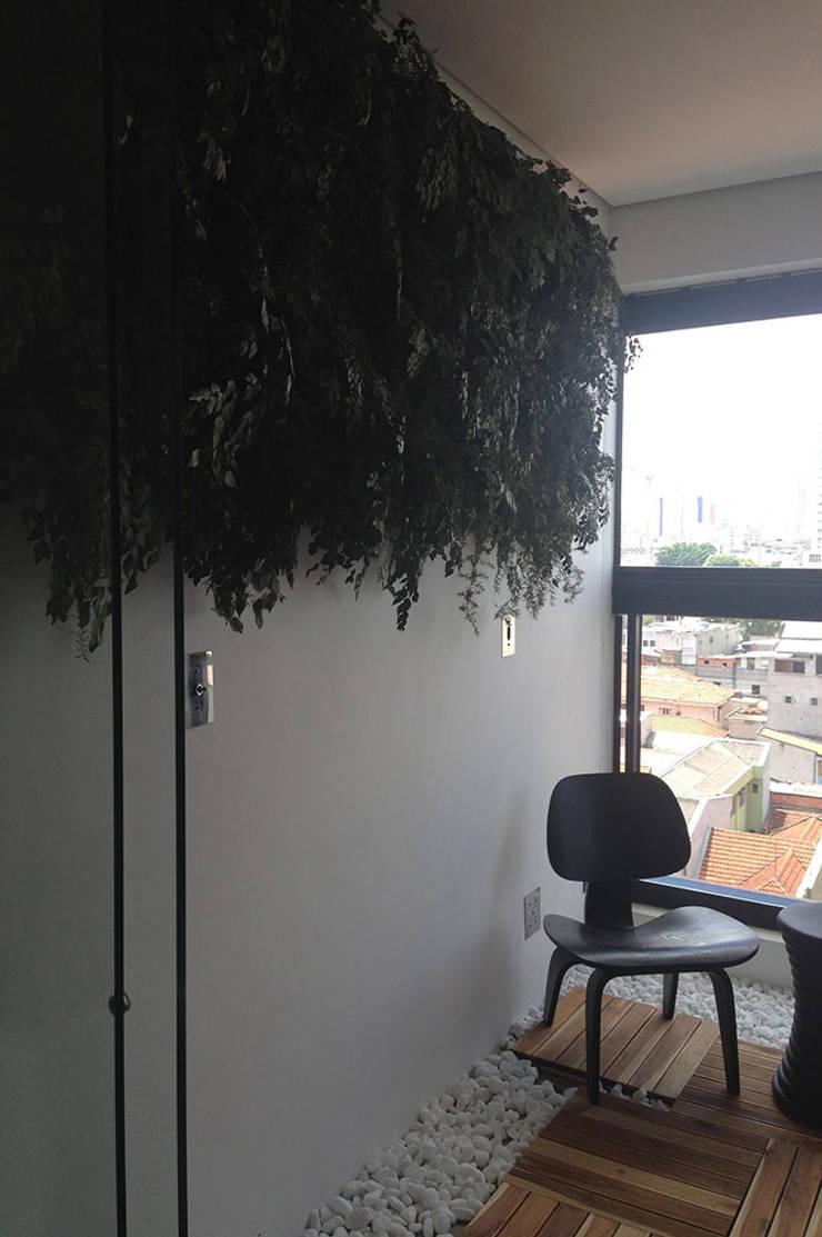 Apartamento do Rock: Salas de estar  por elen saravalli arquitetura & design