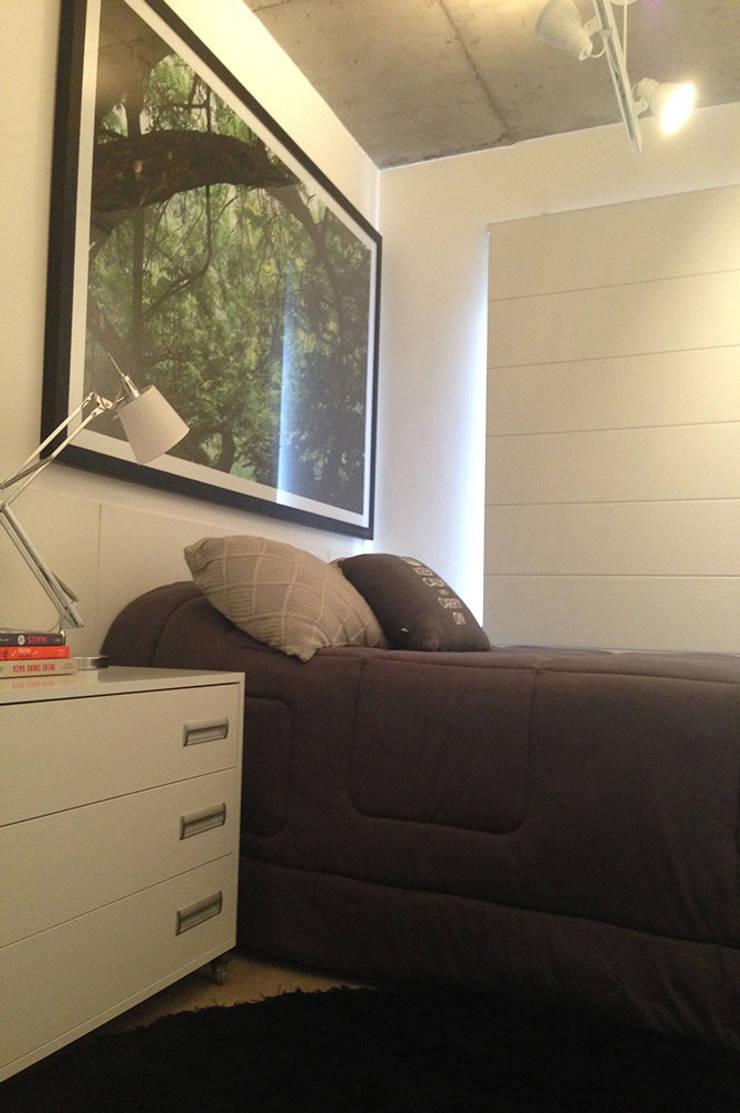 Apartamento do Rock: Quartos  por elen saravalli arquitetura & design