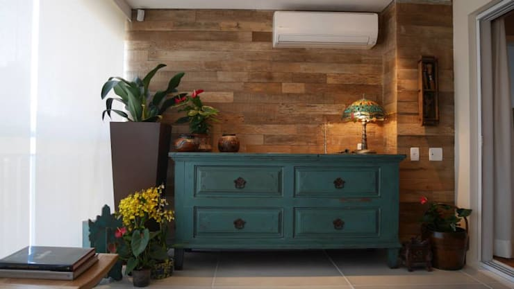Apartamento Santana 01: Salas de estar  por Priolli Galuppo Arquitetura e Design