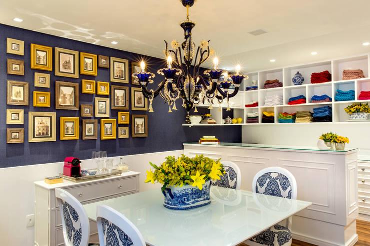 Loja de artigos de mesas decoradas: Lojas e imóveis comerciais  por Milla Holtz Arquitetura,