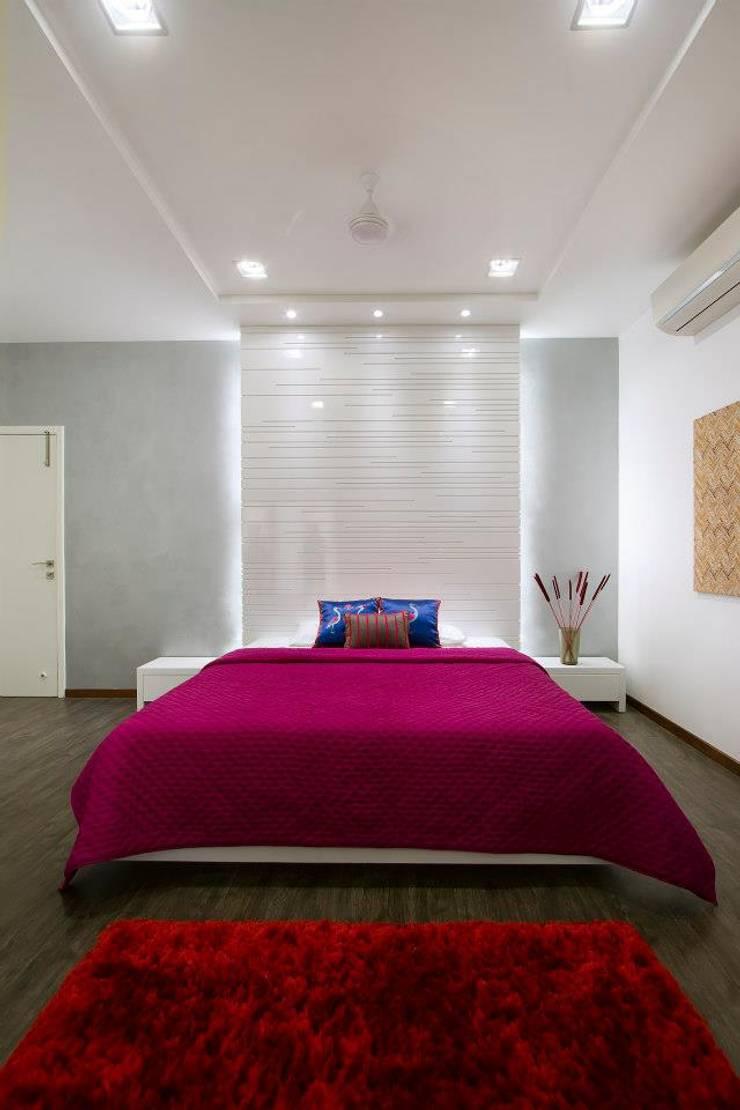 Mr. Sanjay patel—Bungalow:  Bedroom by P & D Associates