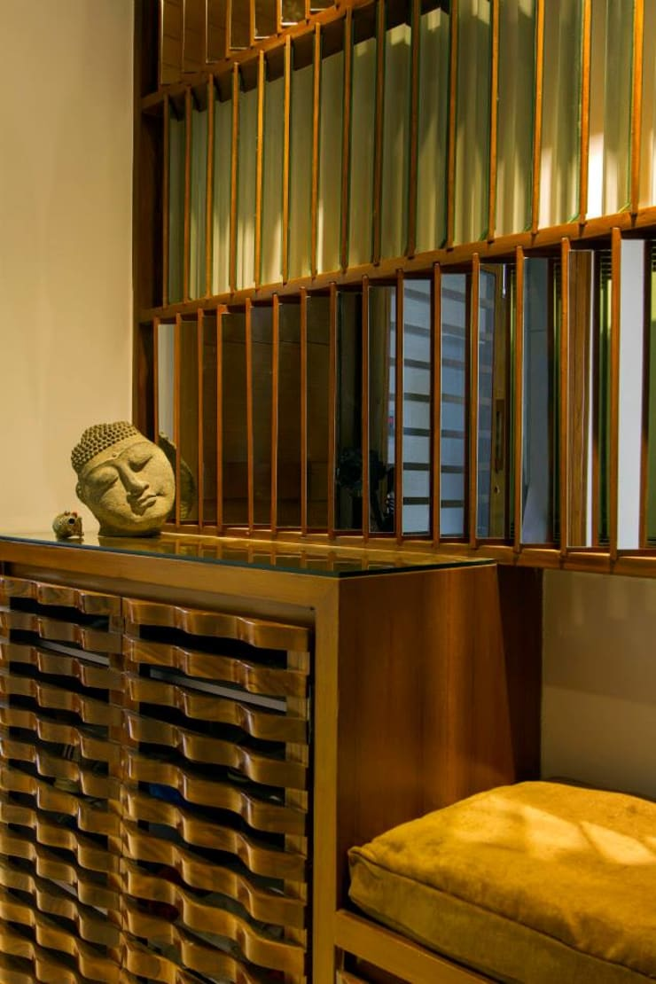 Abhiskhek's Appartment:  Living room by P & D Associates