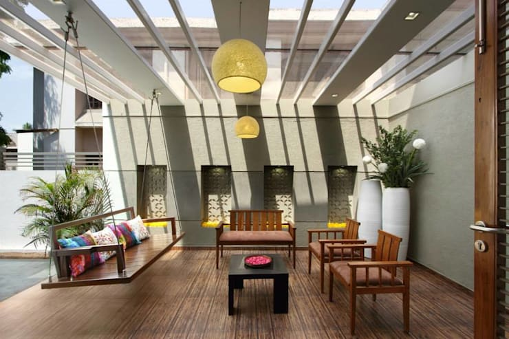 Mr.nailesh shah bungalow: modern Living room by P & D Associates