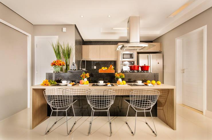 Cozinhas  por Renata Matos Arquitetura & Business