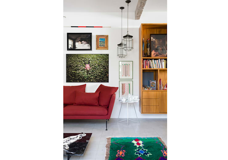 Apto. João: Salas de estar minimalistas por RSRG Arquitetos
