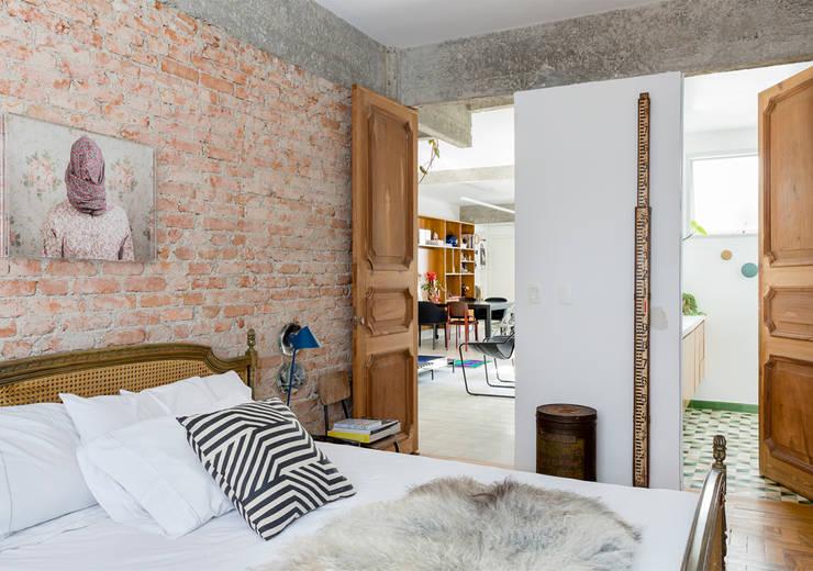 غرفة نوم تنفيذ RSRG Arquitetos