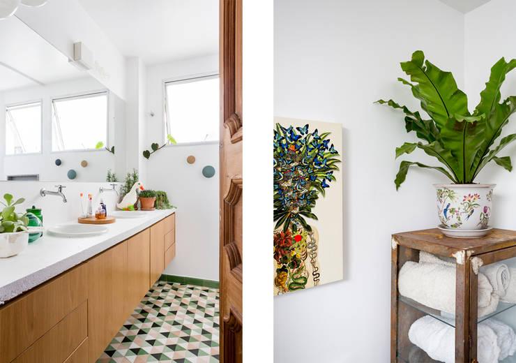 Baños de estilo  por RSRG Arquitetos