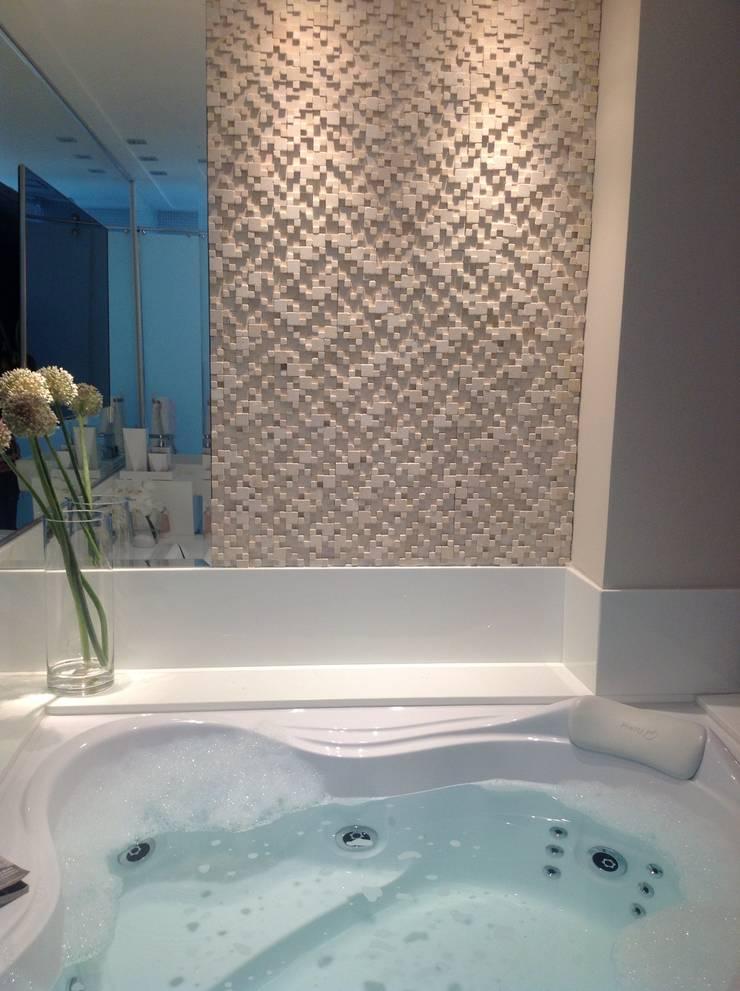 Baños de estilo  por Marcia Arcaro Design Ltda ME