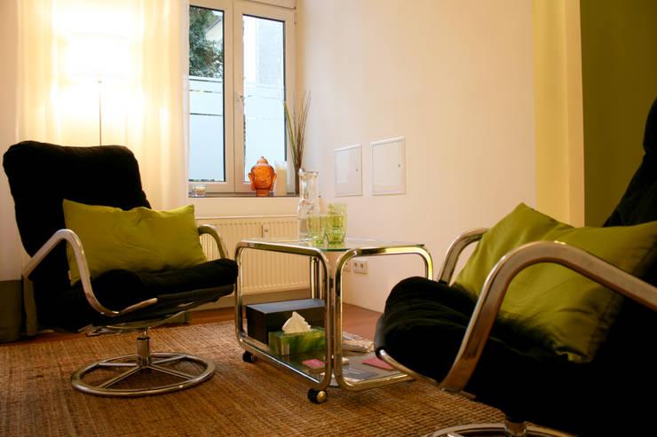 Oficinas de estilo  por ORTerfinder, Moderno
