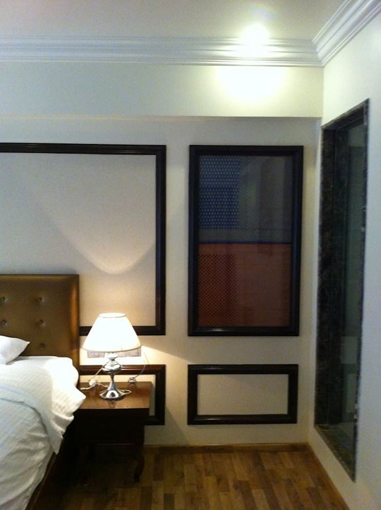 Hotel in Mysore:  Bedroom by Design Cafe