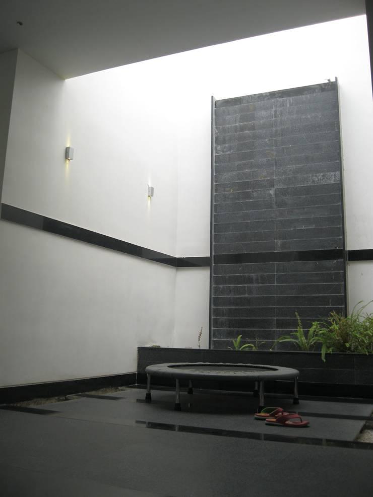 โดย ar.dhananjay pund architects & designers เอเชียน