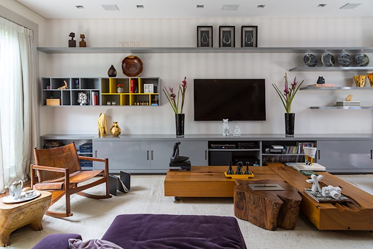 Living room by Eliane Mesquita Arquitetura