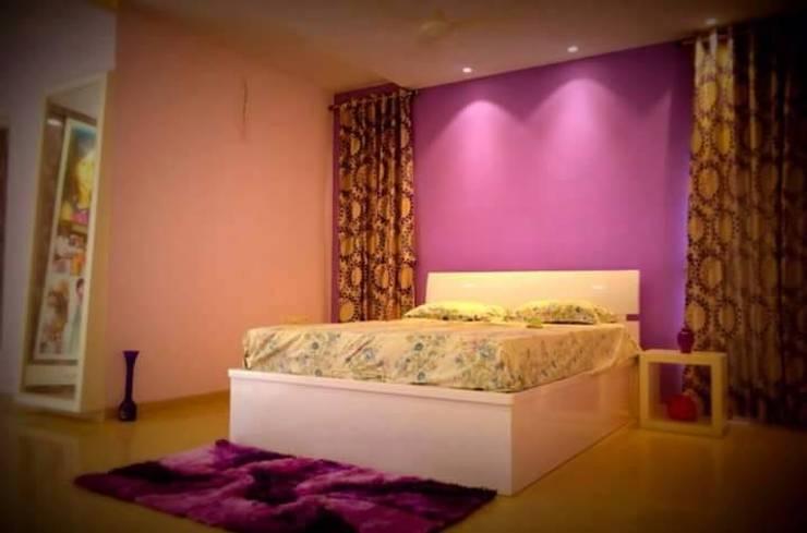 Interiors:  Bedroom by Livin interiors