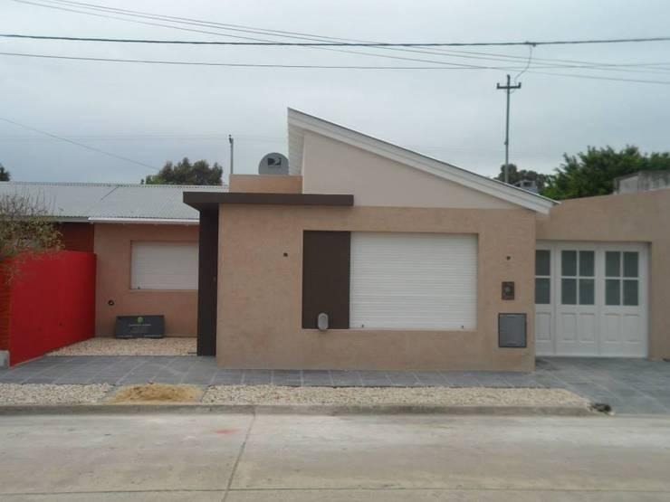 Casas de estilo  por Estudio de arquitectura Lasala Mariana