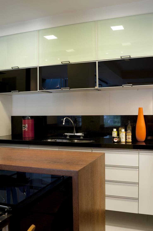 Apto K: Cozinhas  por m++ architectural network