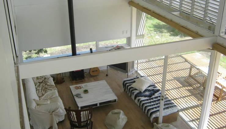 CASA LAGUNA EL ROSARIO: Livings de estilo  por Frias+Tomchinsky Arquitectos