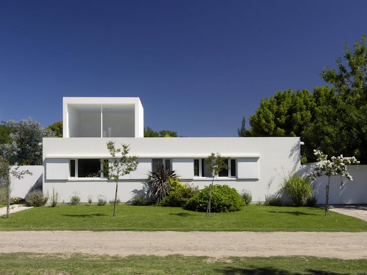 Casa Ennis Saavedra: Casas de estilo  por Bares Bares Bares Schnack | Estudio de Arquitectura