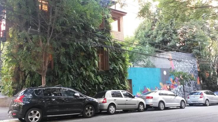 Intervención Bochera en Sao Paulo: Casas de estilo  por La Bocheria