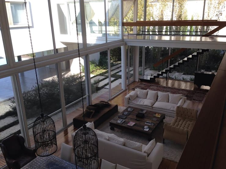 Casa Moderna: Livings de estilo  por GG&A,