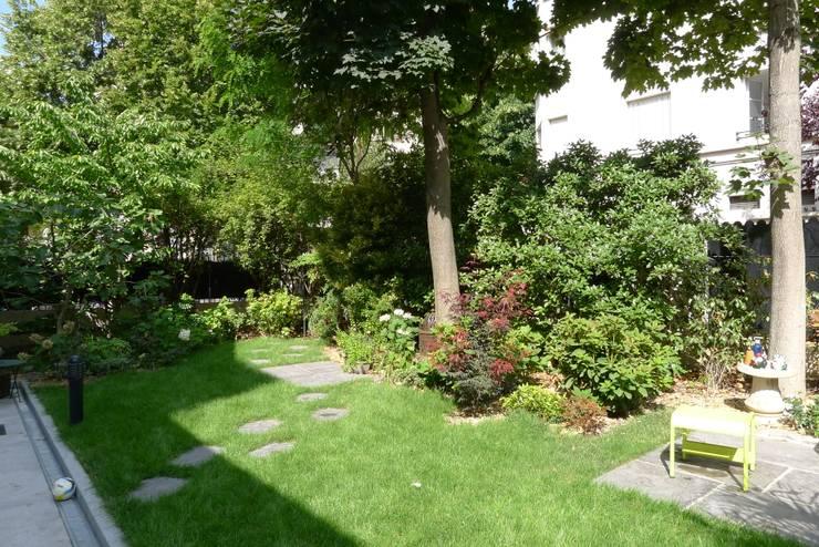 Havre de verdure: Jardin de style  par Benji Paysage