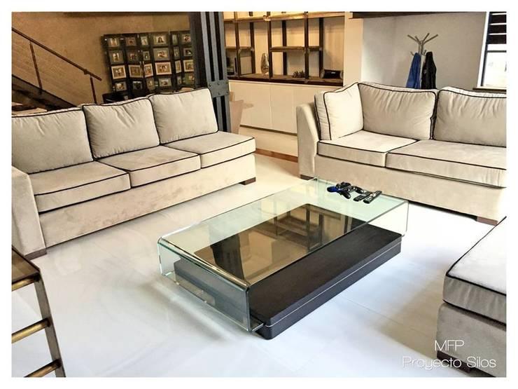 Living room by MFP Diseño de Interiores
