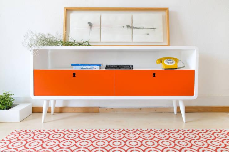 Time to Start: Sala de estar  por Loloca Design