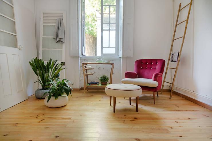 Tea time: Casa  por Loloca Design