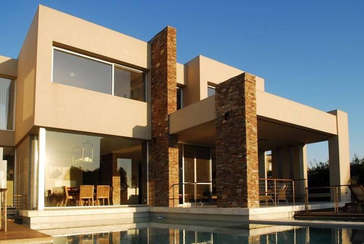 Casas de estilo  por dmejecuciondeobras