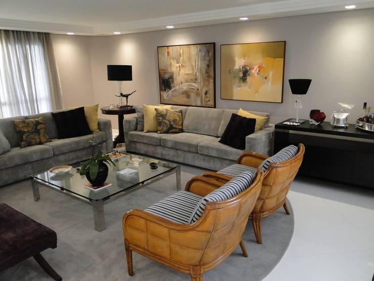 Estúdio DL: Salas de estar modernas por ESTUDIO DL arquitetura