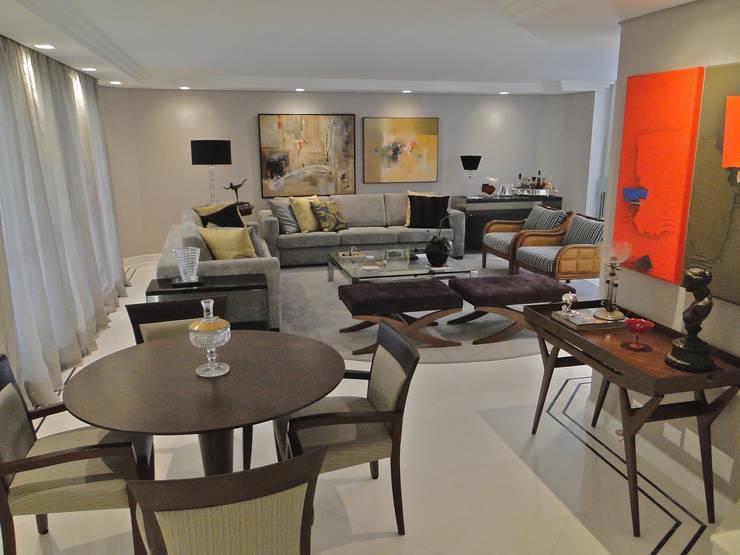 Estúdio DL: Salas de jantar modernas por ESTUDIO DL arquitetura