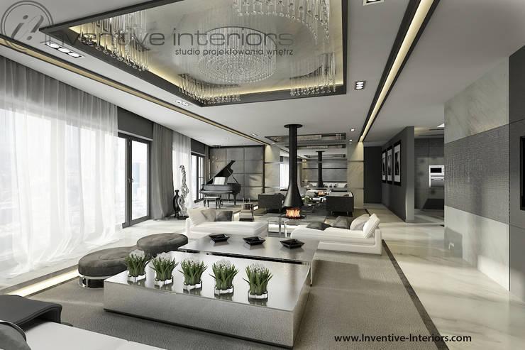 Żyrandol w salonie: styl , w kategorii Salon zaprojektowany przez Inventive Interiors