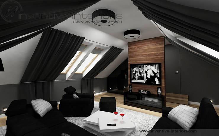 Pokój kinowy na poddaszu: styl , w kategorii Pokój multimedialny zaprojektowany przez Inventive Interiors